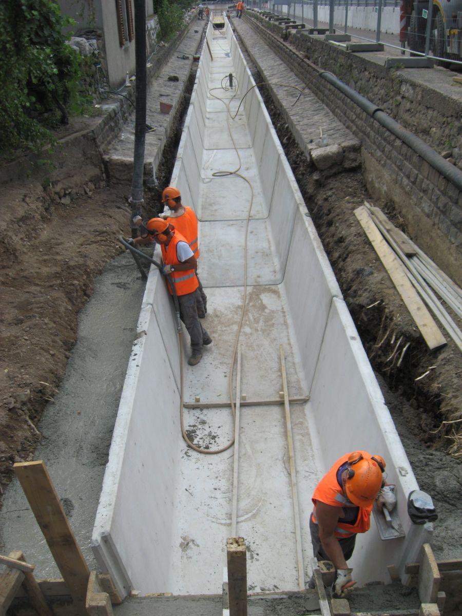 Manufatti in cemento   Canalette trapezoidali - Canalette ...