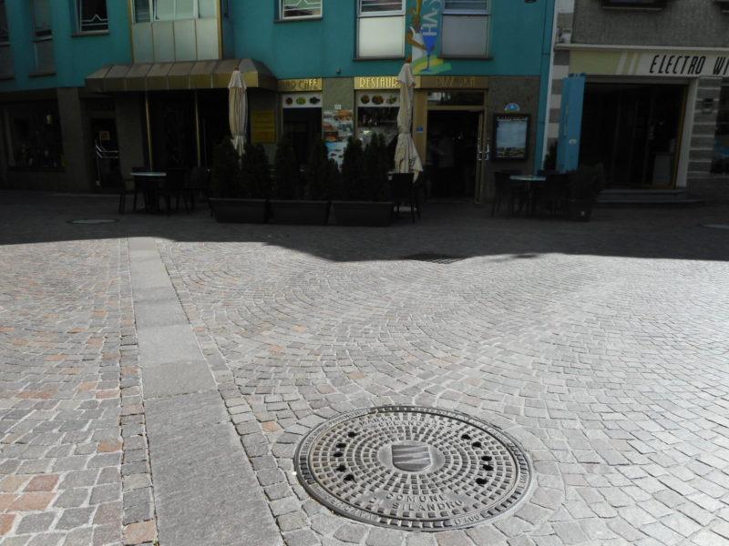 003 3 800x600 - Chiusini in ghisa lamellare BE-GU tedeschi - arredo-urbano-
