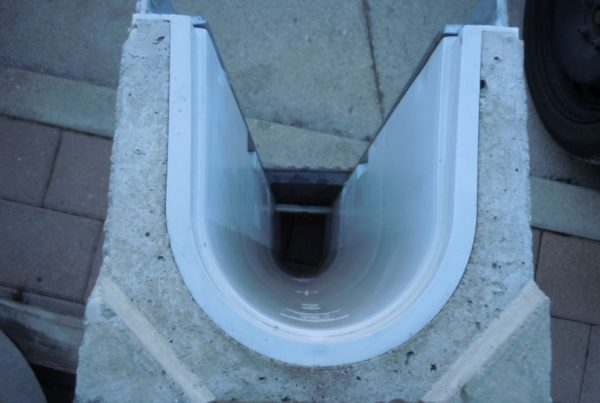 003 600x403 - C250 o D400 - Canali grigliati con rivestimento interno in polipropilene drenaggio-superficiale-delle-acque