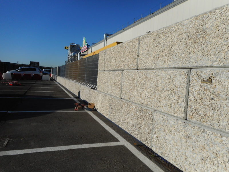 Modena: posa di dolomitilego con installata recinzione orsogrill