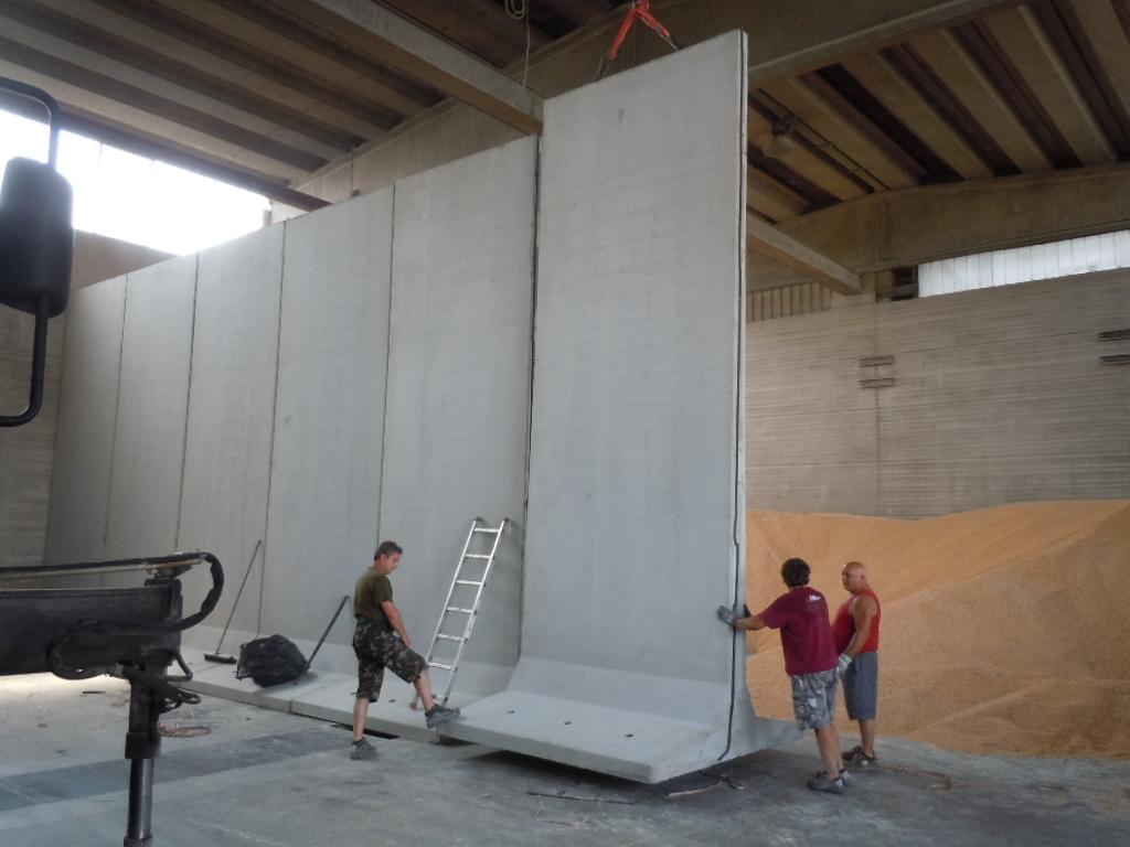 """016 - Muri divisori a """"T"""" rovescio strade"""