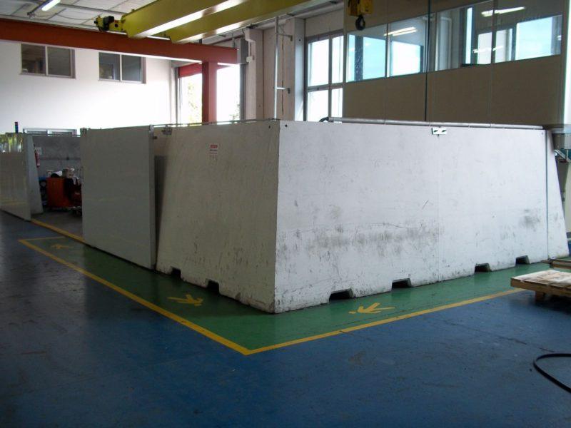 big giant H.200 a protezione di area HTP-collaudo ad alta pressione di attuatori di valvole  ROTORK FLUID SYSTEMS