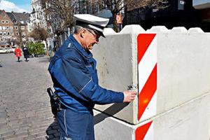 2w1512qlowc0.bild 300x200 - Dissuasori antiterrorismo - City Art Solutions - arredo-urbano-