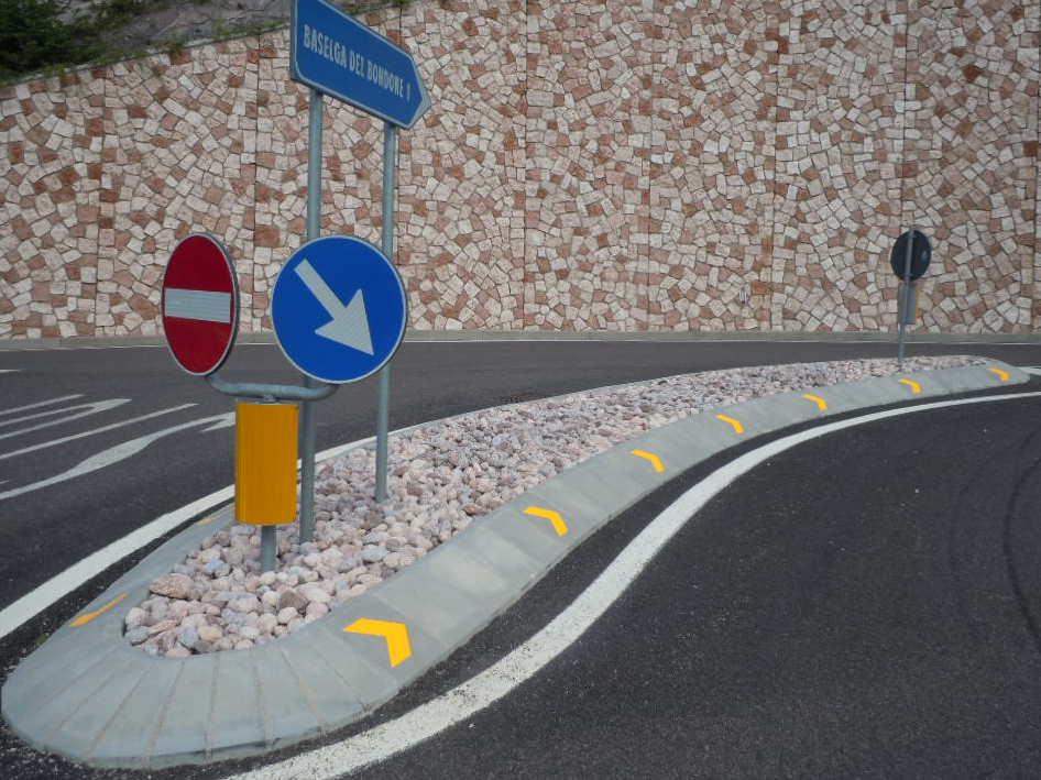 Traffic separation curb BONDONE RIDOTTA 005