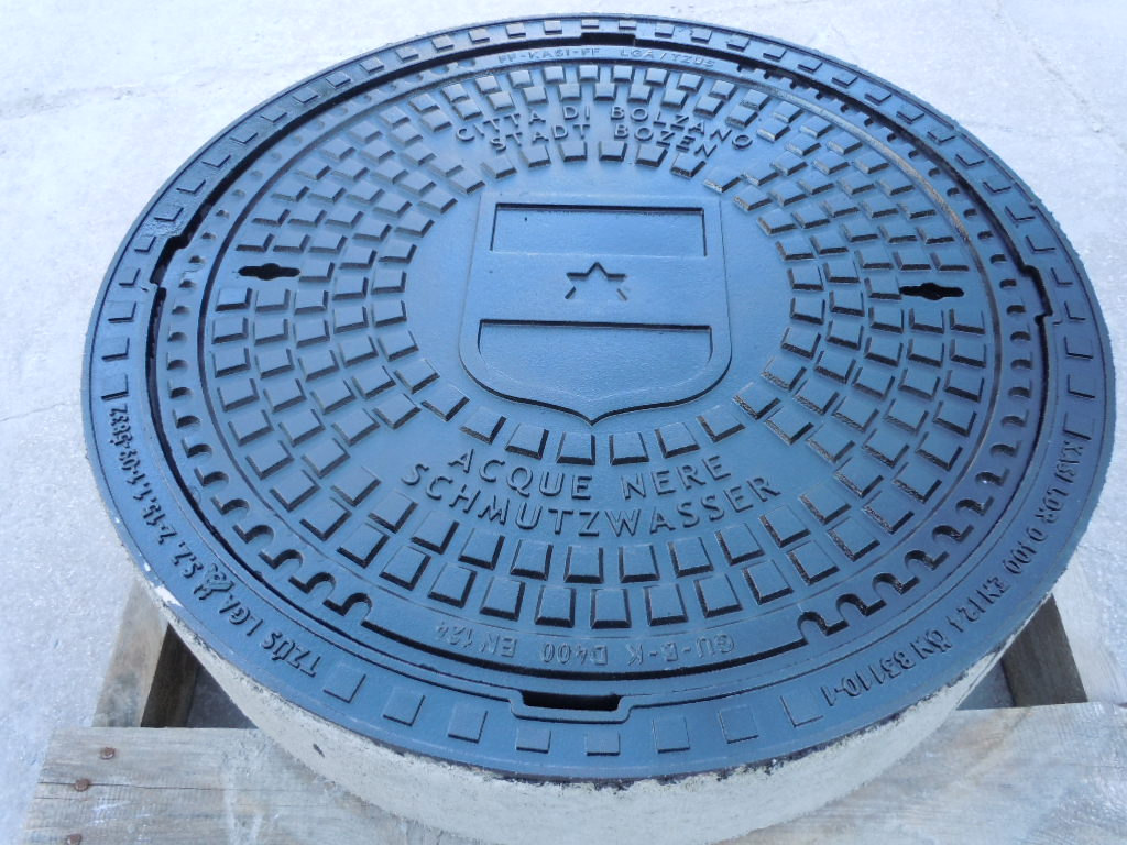 COMUNE DI BOLZANO1 - BE-GU German manhole covers in lamellar iron - urban-decor-