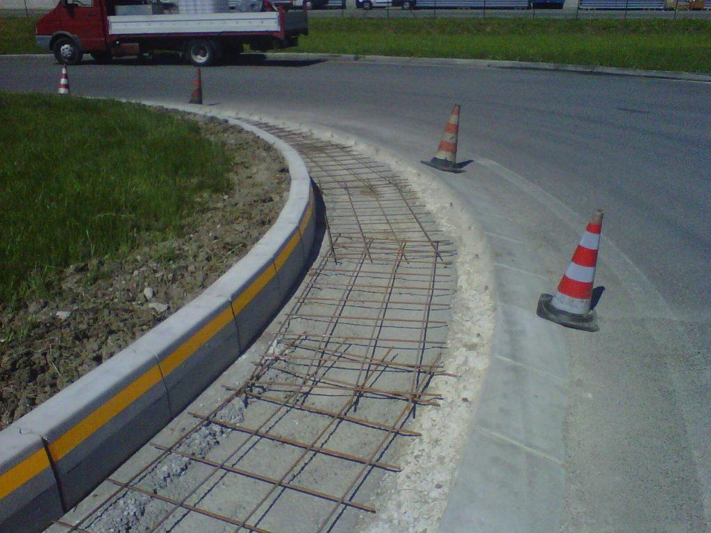 CORDILI 3M 1024x768 - Road curbs roads
