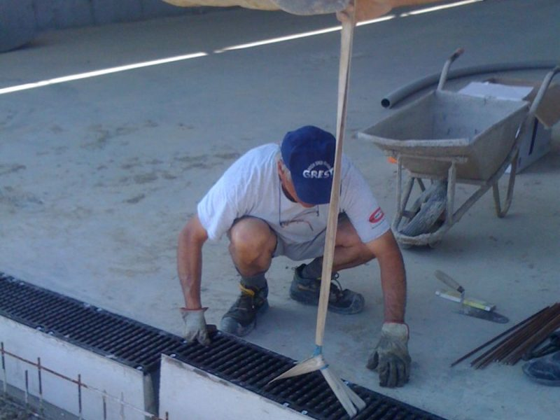 """Channels with bolted """"smart security"""" type grids, in C250 or D400 cement (4)"""