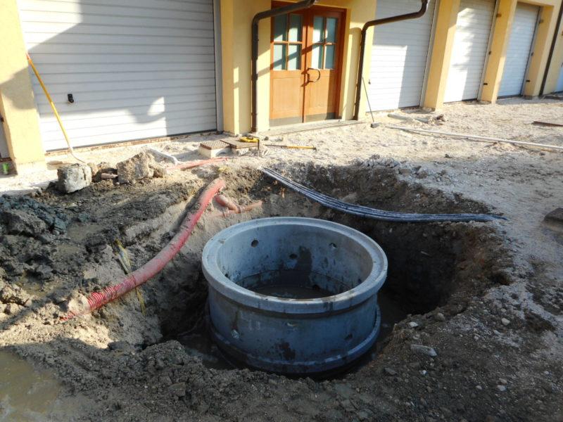 anelli perdenti dn.1500h.600 per drenare l'acqua derivante da bombe d'acqua in adiacenza di garage