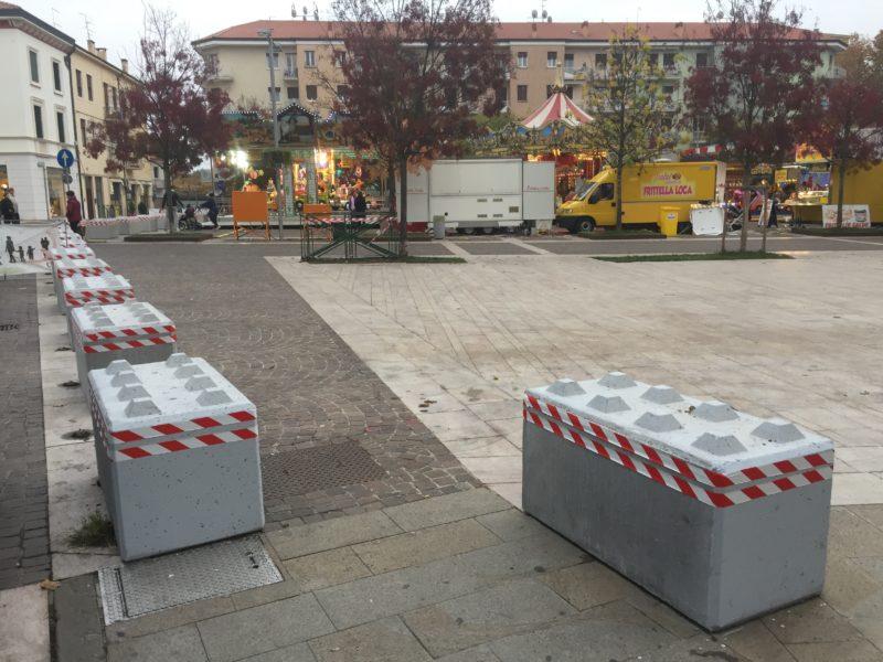 IMG 1522 800x600 - Dissuasori antiterrorismo - City Art Solutions - arredo-urbano-