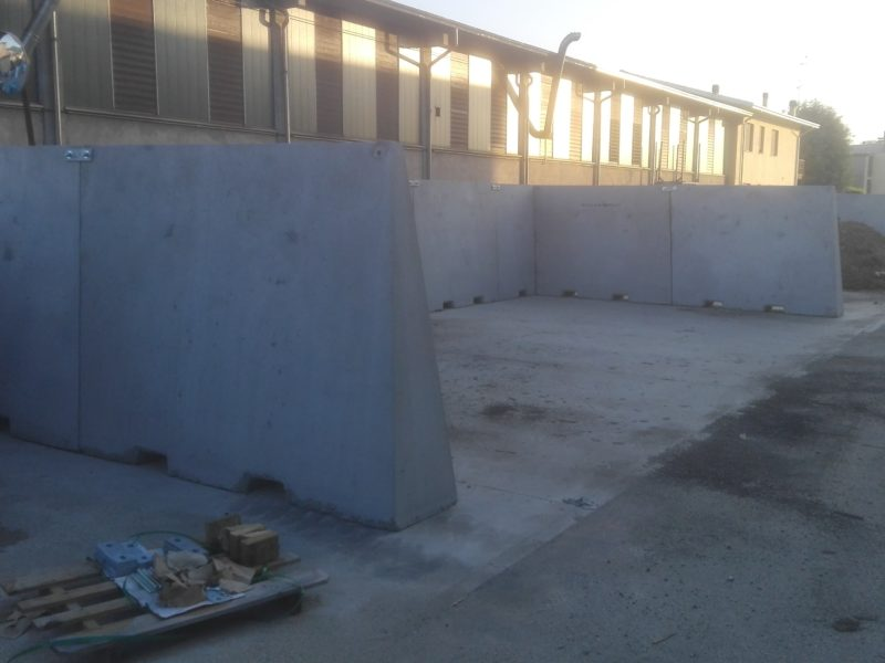 IMG 20180525 062753 800x600 - Muri divisori di materiali - strade-