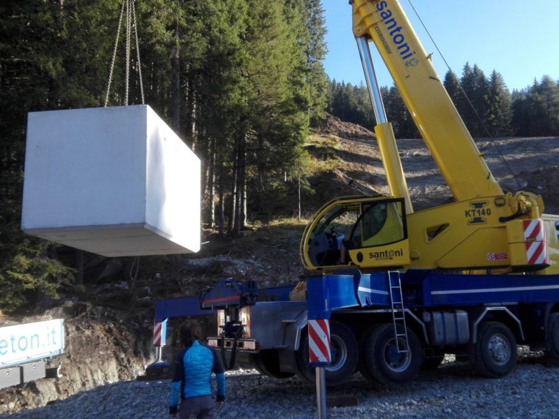posa di vasca di contenimento gigante da 30000 litri