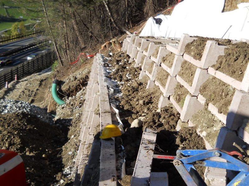 MURI KRAINER VIPITENO 2 800x600 - Krainerwand retaining walls up to 12 mt. with vegetation, reinforced earth type - urban-decor-