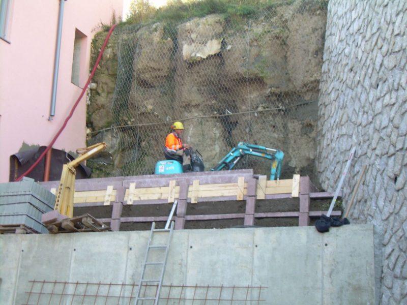 OSPIZIO VIPITENO 2 800x600 - Krainerwand retaining walls up to 12 mt. with vegetation, reinforced earth type - urban-decor-