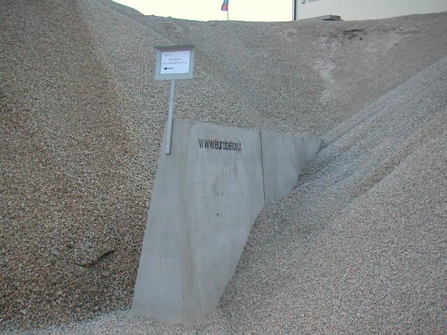 big giant H.200 per divisione inerti cava di ghiaia