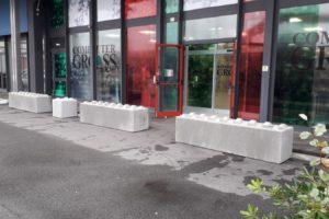 Padova 1 300x200 - Dissuasori antiterrorismo - City Art Solutions - arredo-urbano-
