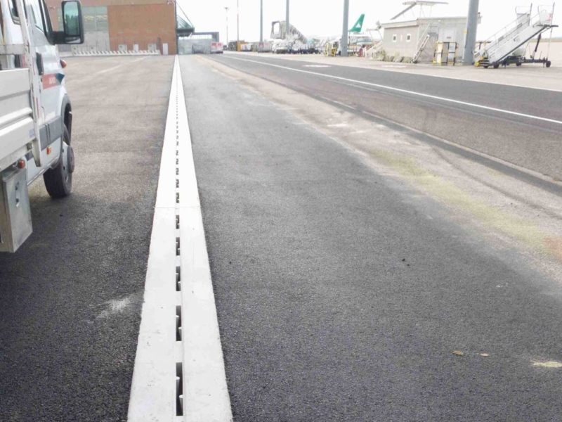 Slotted channels for airports self-supporting D400 or F900 (6)
