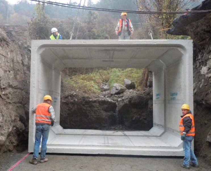 Viereckiges Leitungsrohr 1 - Viereckiges Leitungsrohr - kanalisation-