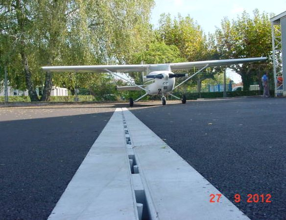 aereoclub varese - Slotted channels for airports self-supporting D400 or F900 entwasserung
