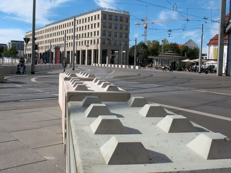 austria vienna 800x600 - Dissuasori antiterrorismo - City Art Solutions - arredo-urbano-
