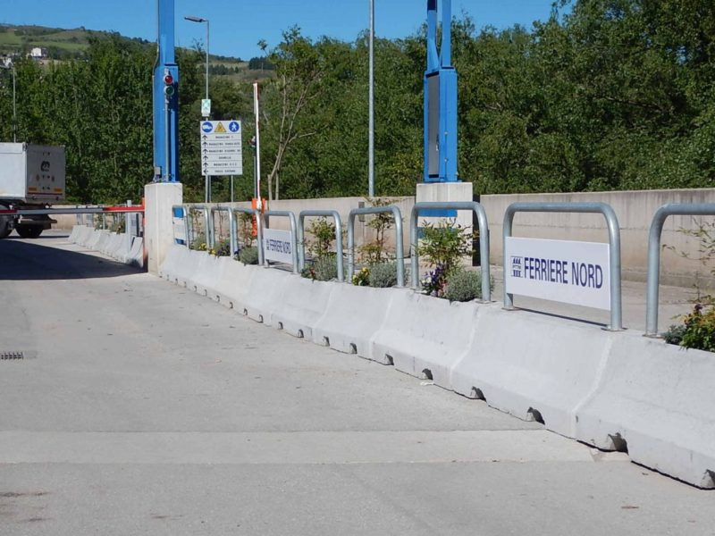 buona ridotta1 800x600 - Barriere Mini New Jersey - strade-