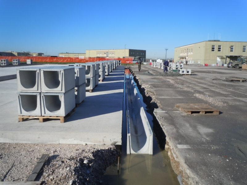 appalto per lo stato Italiano - dicembre 2012: posa in opera di canalette serie  elefant M400 con chiusura cieca in acciaio bugnato C250