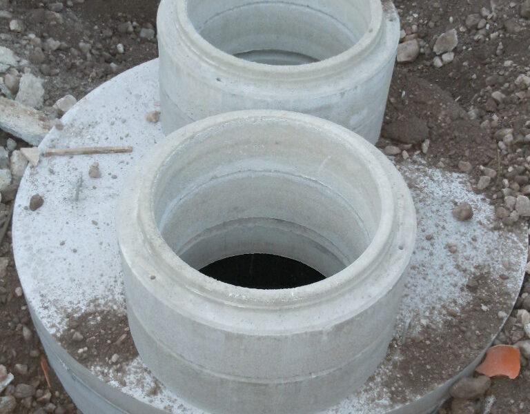posa di vasca di sollevamento da 5000 litri con rialzi DN.800 per l'ingresso di 2 pompe