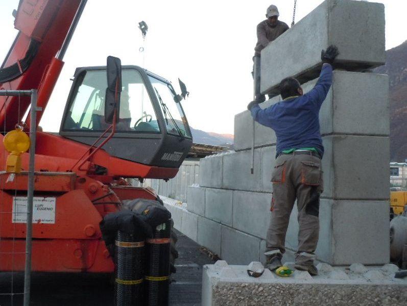 cantiere di bolzano 2 797x600 1 - Trennwände EURO-LEGO - strassenbau-