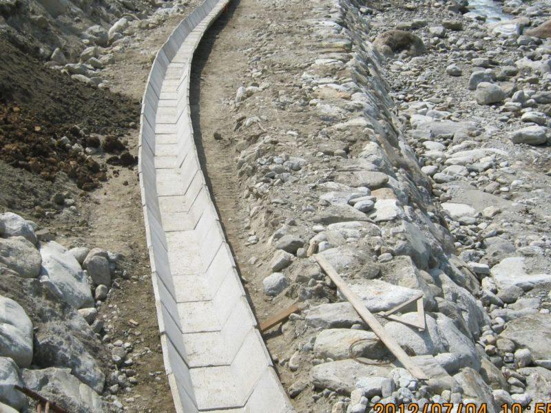 cantiere di sondrio torrente liro valchiavenna 800x600 - Canalette trapezie - canalizzazioni-a-cielo-aperto-
