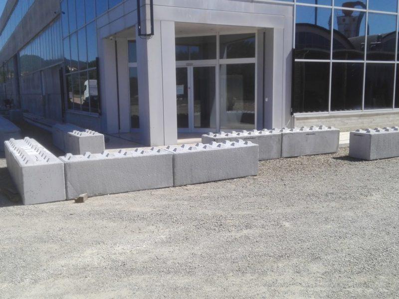 capannone Gucci con moduli eurolego 1800x600x600 per antivandalismo spaccata vetrine