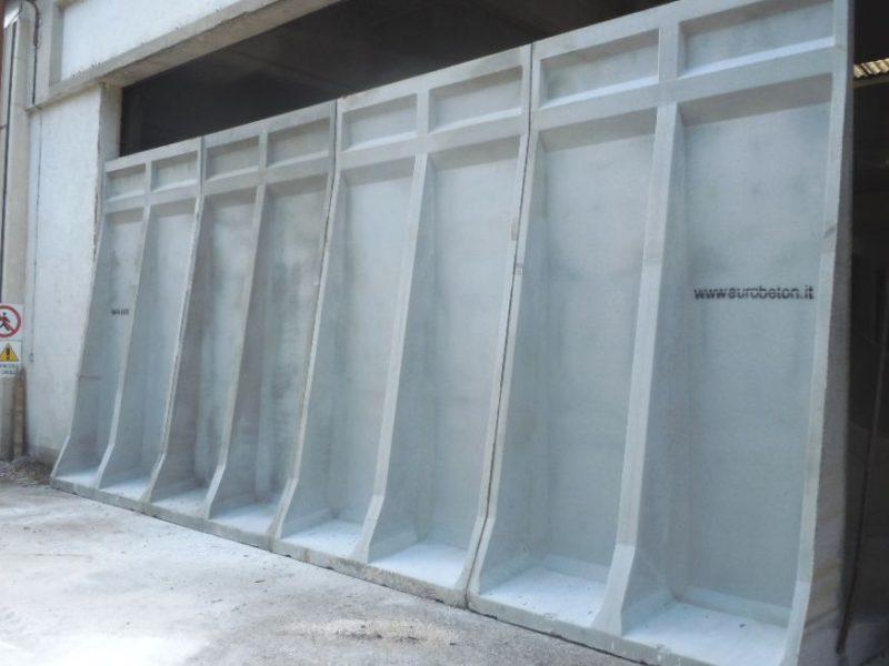 chiusura parete capannone con muri PERIMETRALI H.4000 presso la ditta INNOWA