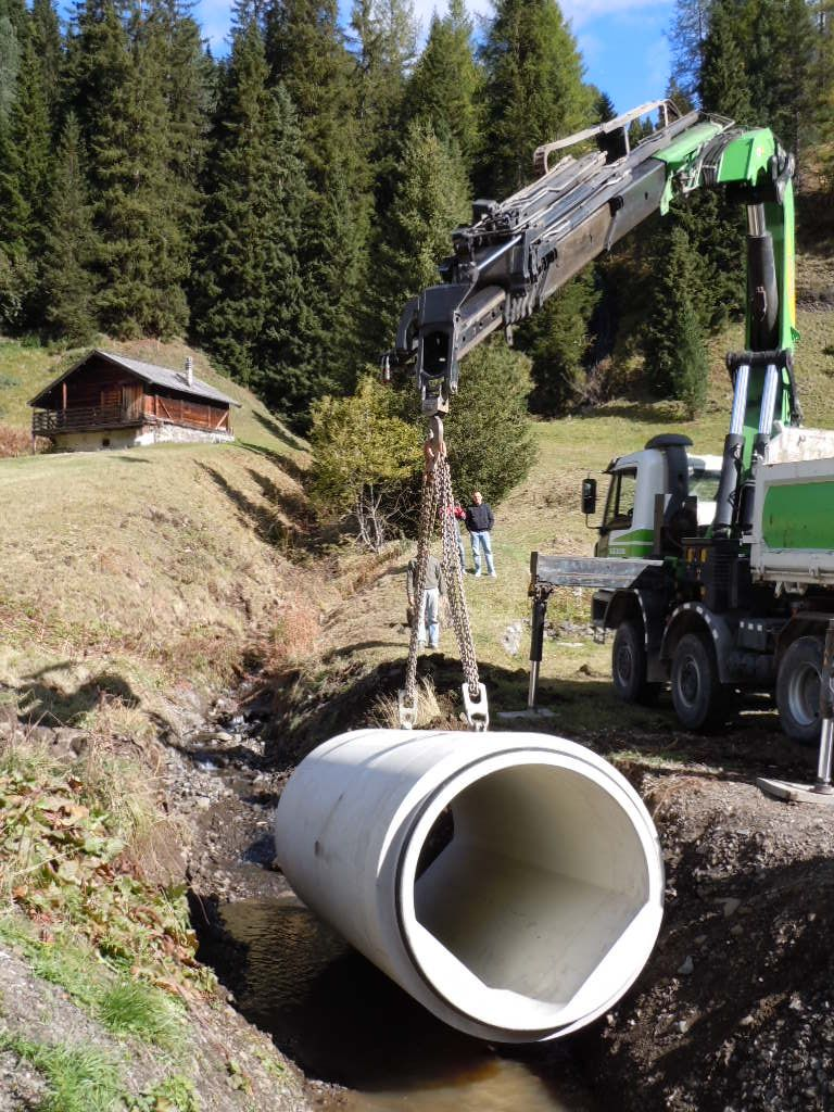 """fase di posa 2 V System - Reinforced round pipes """"VSYSTEM"""" DIN 4035 - sewers-"""