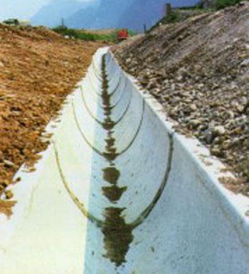 posa di canalette troncovoidali 1000x790 per autostrada del Brennero A22 - svincolo Trento nord