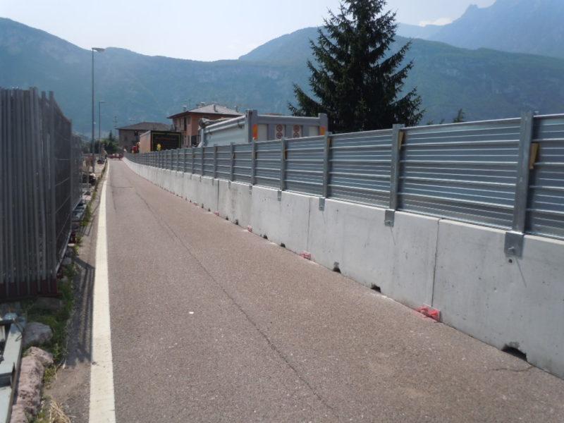 monoscarpa trento 2 800x600 - New Jersey Barriers - roads-