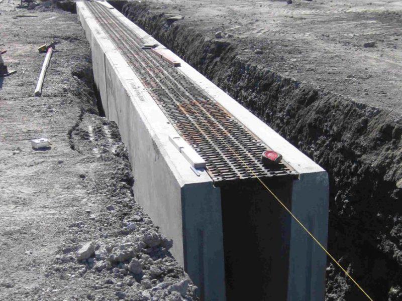 padova ridotta1 800x600 - D400 o F900 - Canali grigliati per aereoporti AUTOPORTANTI - drenaggio-superficiale-delle-acque-