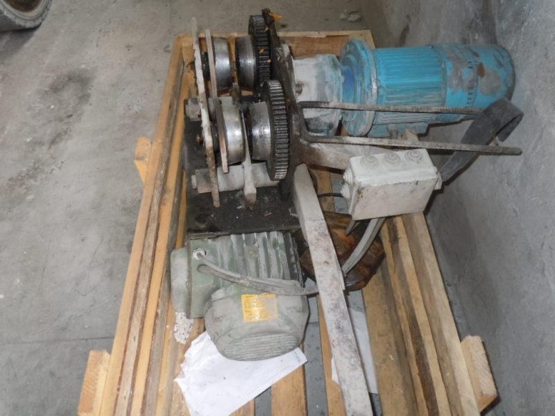 paranco da 800kg per carro ponte 800x600 - Stampi metallici usati - attrezzature-