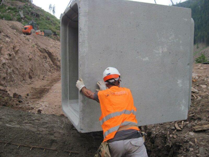 sezione 1200x1600 per la formazione di ponti per il passaggio di mezzi per la sistemazione dei danni dovuti al ciclone VAJA