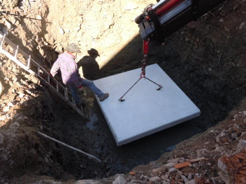 uso particolare come piattaforma dipartitrice di carico per vasche di sollevamento o di contenimento