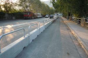 pista ciclabile a bolzano 300x200 - Barriere Mini New Jersey - strade-