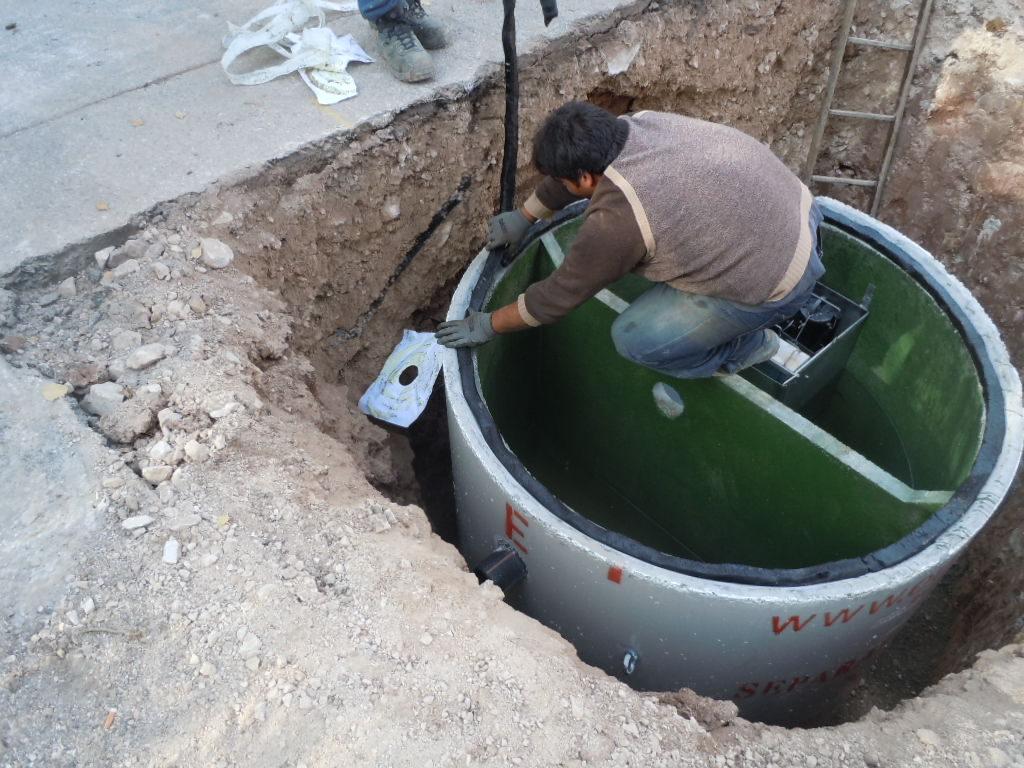 posa della guarnizione 1024x768 - Separatori di olii minerali in CLS armato ecologia-ambientale