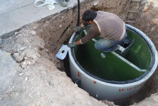 posa della guarnizione 600x403 - Separatori di olii minerali in CLS armato ecologia-ambientale