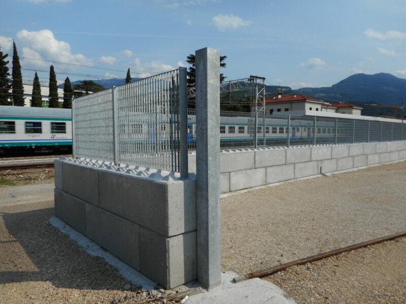 serie eurolego 600 per recinzione stazione feroviaria FF SS