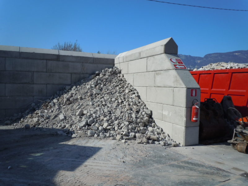 stoccagio inerti 800x600 1 - Trennwände EURO-LEGO - strassenbau-